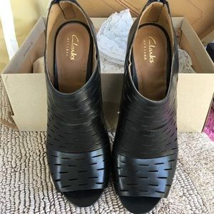 Clark's Shoes New in Box 9 1/2M